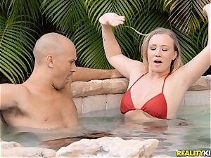 Bailey Brooke outdoor pool jizz-shotgun cockblower