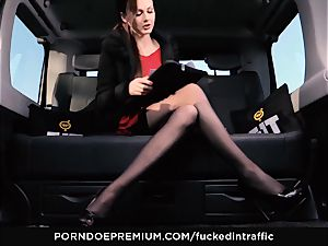 boned IN TRAFFIC - Footjob and car fuckfest with Tina Kay