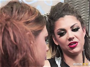 Mean rock broads Bonnie Rotten and Tory Lane