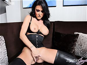 super-hot dark-haired honey Jessica Jaymes messing with her beaver