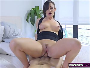 Step-Mom Wakes Sleeping son-in-law For cock And internal cumshot