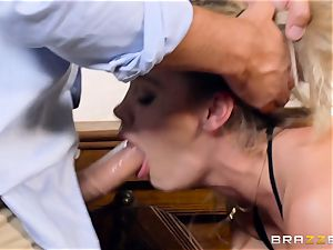 Up close and deep in the pussyhole of Jessa Rhodes