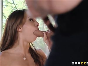 India Summers flashes Sara Luvv how to bang her fellow