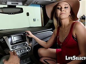 chatty cougar Aaliyah love gives a suck off in your car