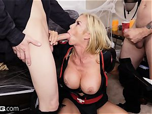 pulverize Confessions Alexis gives stepson a Halloween treat
