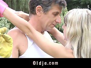 Gina Gerson gets ass fucking from an elder fellow
