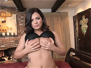 Keisha Grey messing with her scorching humid cootchie