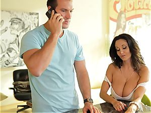 big breasted cougar Ava Addams makes sure he notices