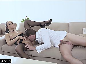 sensuous orgy with an absolutely gorgeous brown-haired queen