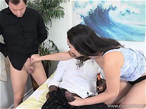 Paisley Parker Gets dark-hued sausage and spouse licks Up jizz