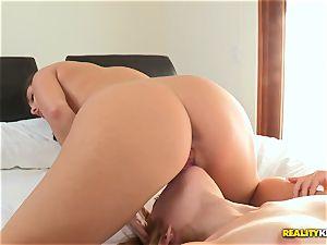 Jenna Sativa munches her warm buddies bulls eye