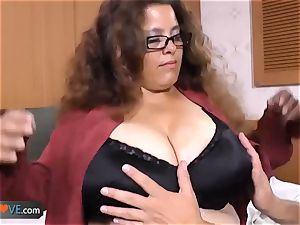 AgedLovE Latina plump grandma pummeling twunk