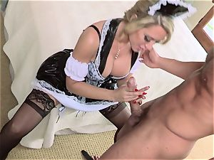 hot maid Capri Cavanni gives her chief some extras